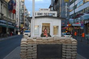 Checkpoint Charlie, Berlijn Stedentrip, reisdilemma